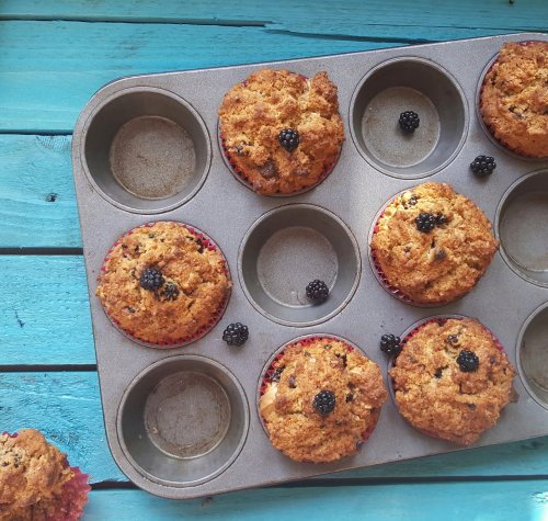 Blackberry, Coconut & White Chocolate Muffins, Delalicious