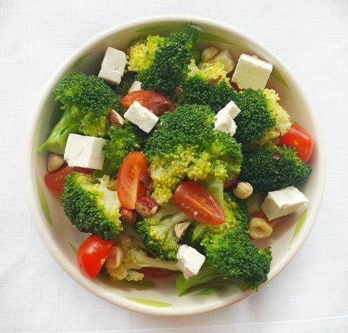 Broccoli, Tomato, Feta & Hazelnut Salad, Delalicious