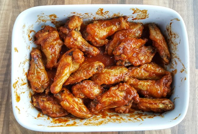 Crispy Buffalo-Style Chicken Wings; Delalicious