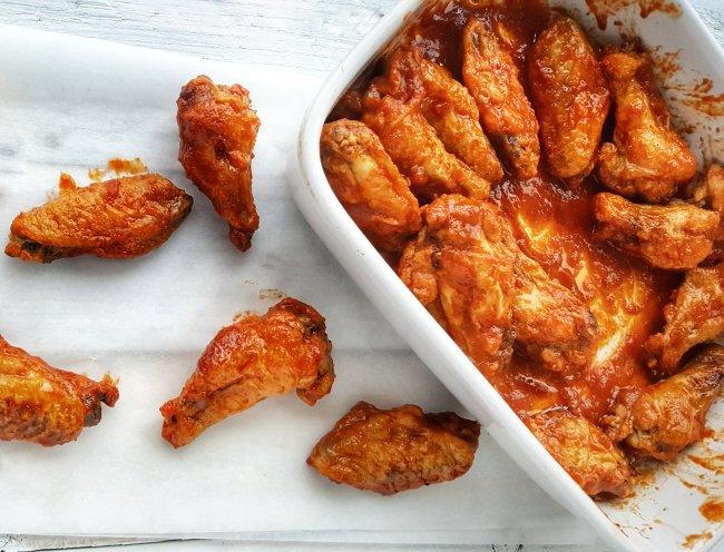 Crispy Buffalo-Style Chicken Wings; Delalicious