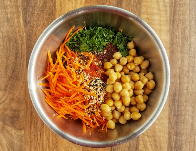 Carrot and Chickpea Salad; Delalicious